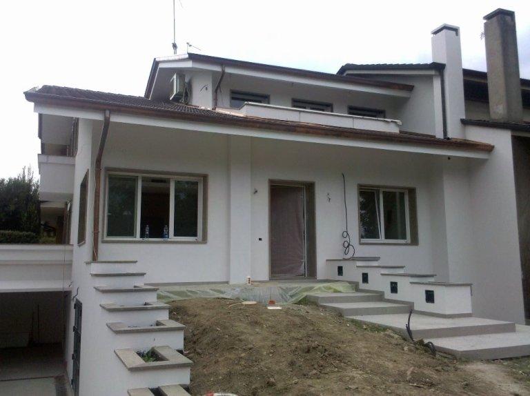 Tinteggiatura estrna abitazione Montegrotto facciata sole