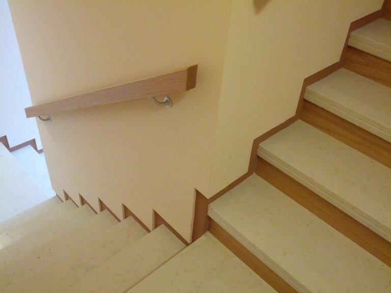Asiago Immobiliare-Casa Montagna Via Pintus scale