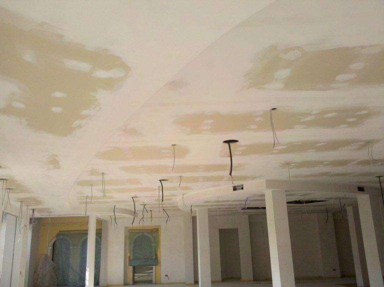Negozio Abbigliamento Montegrotto soffitto