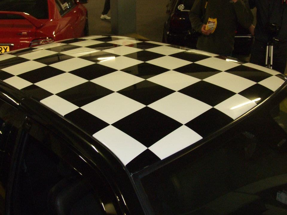 black and white design on the car rooftop