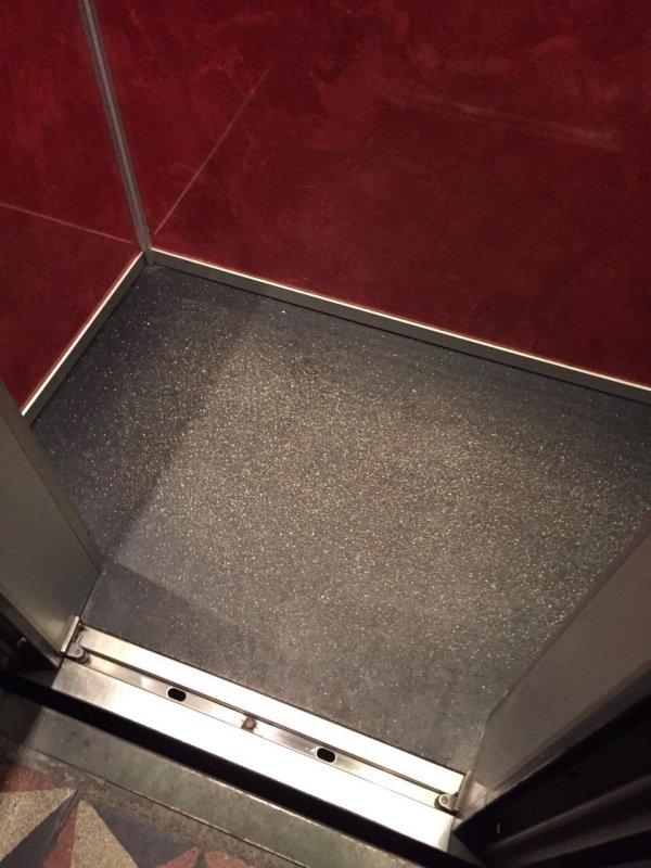 Pavimento ascensore
