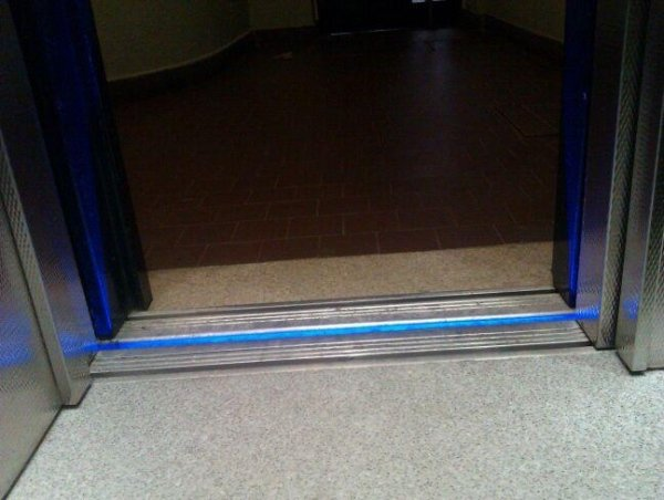 Luce pavimento e soffitto ascensore