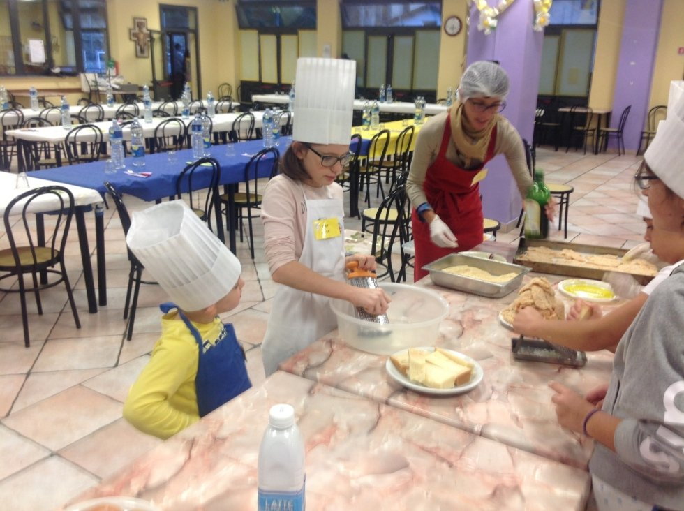 A tavola tutti insieme: cucinare per grandi e piccini