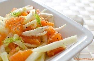 Insalata di salmone all'arancia e finocchi