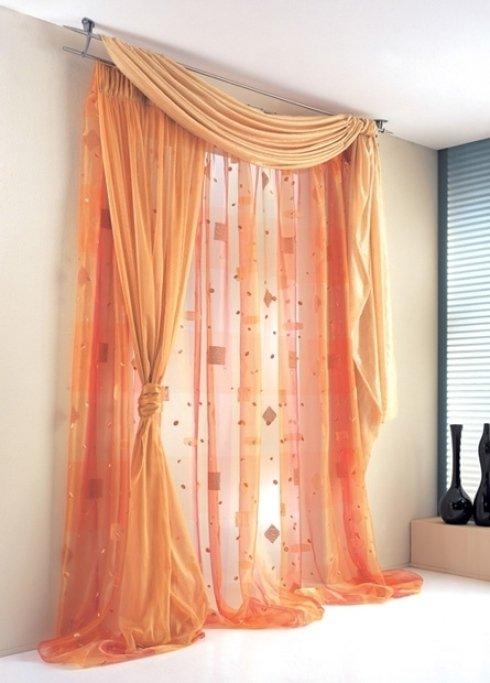 tenda per interni arancio con fantasie