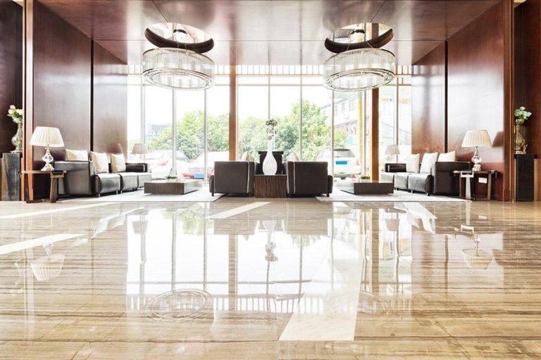 pavimento lucido in un Hotel
