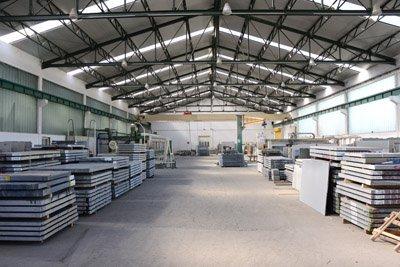 pulizia capannone industriale