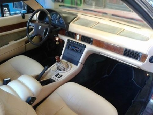 interno di un auto d'epoca
