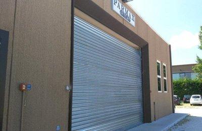 grande saracinesca in metallo per garage