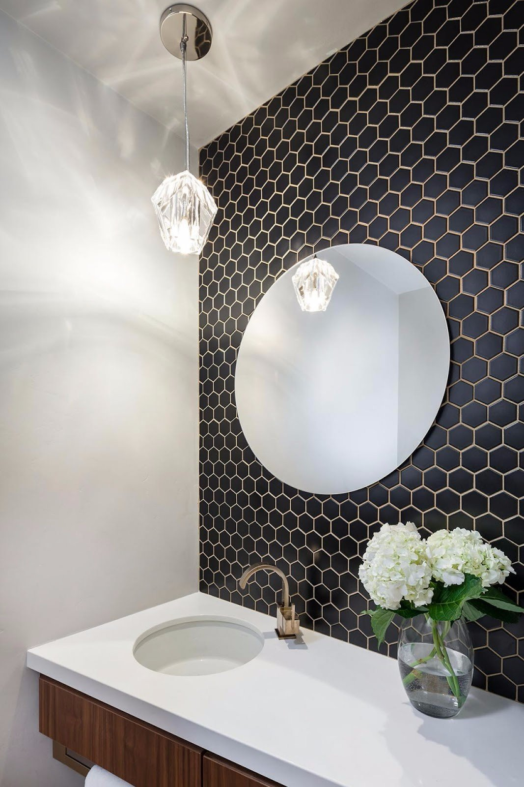 Smile about Tile: The Big Bathroom Trend for 2017