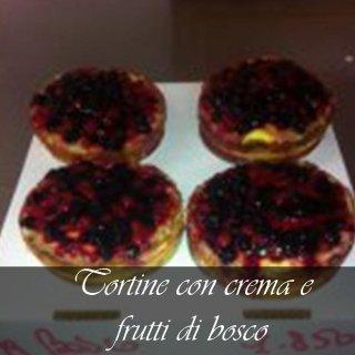 crema e frutti di bosco