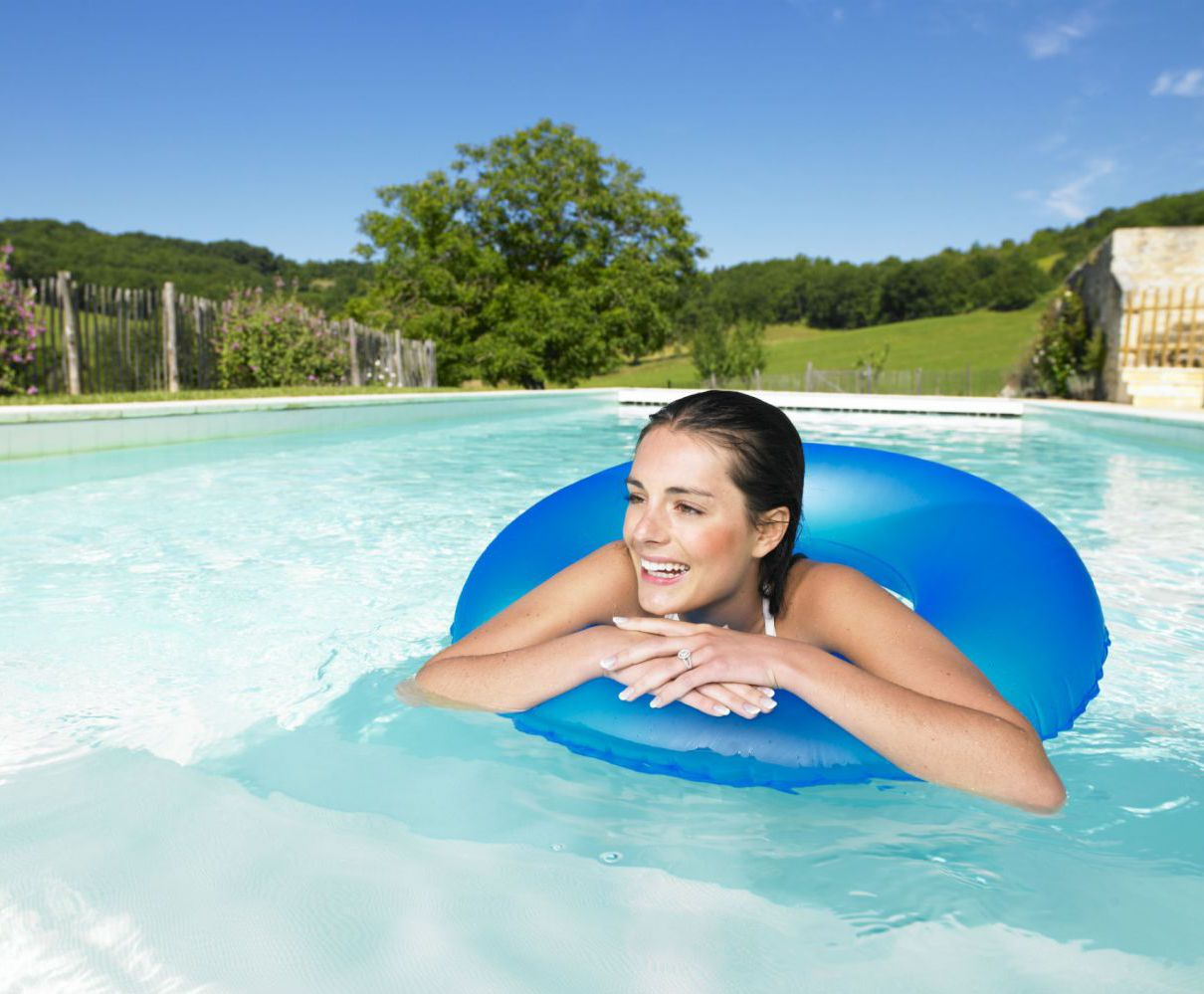 Women in by pool and spa supplies in Robertsdale, AL