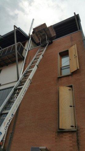 palazzo e scala per traslochi