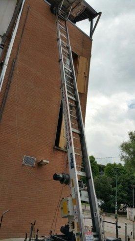 scala con elevatore per traslochi