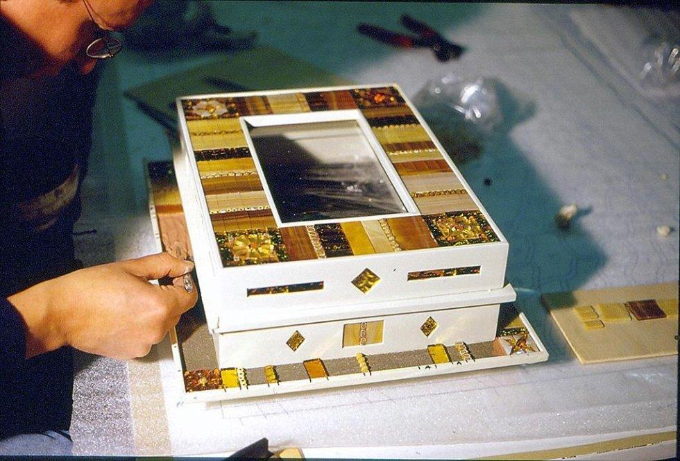 DESIGN.SCATOLA IN MOSAICO