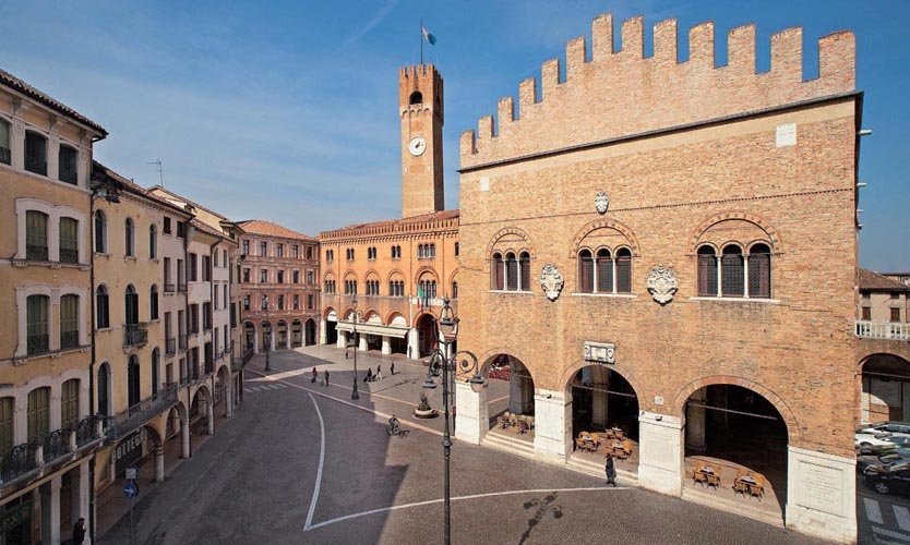 veduta esterna di un edificio medievale