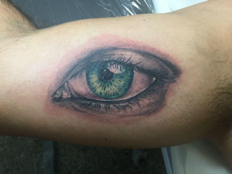 tattoo di occhio verde