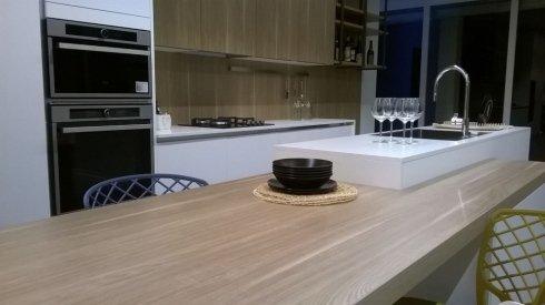 Pavimento della cucina moderna a Bari