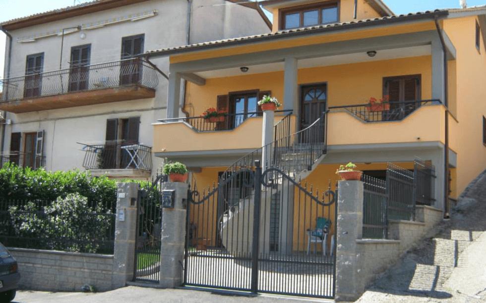 balconi, ringhiere, ferro battuto, Viterbo