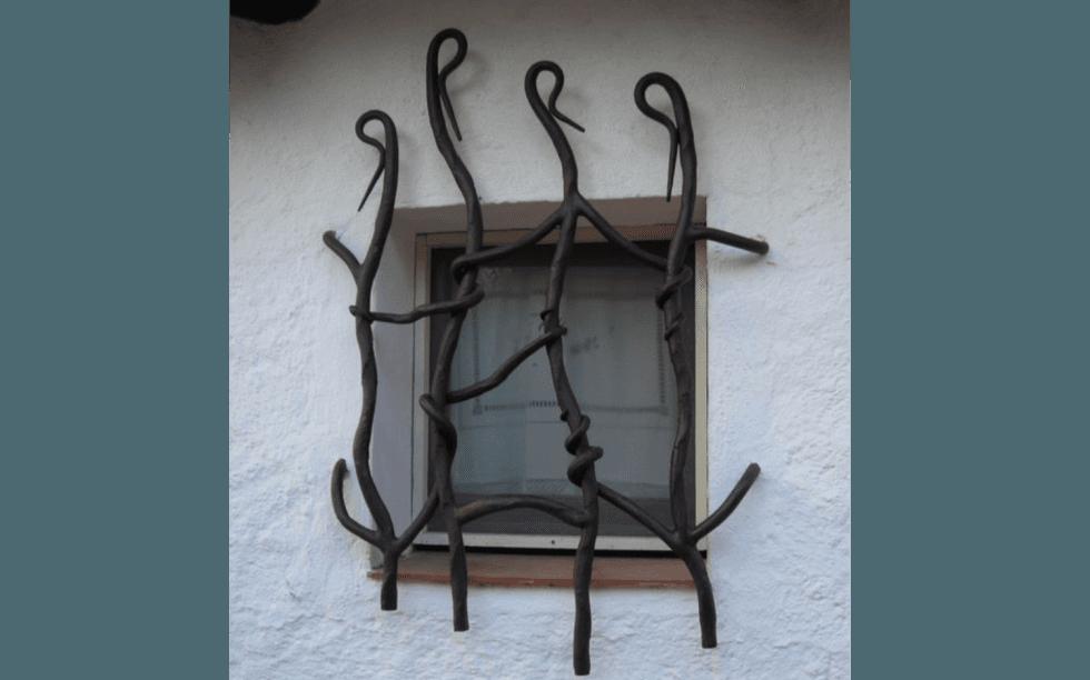Produzioni in ferro viterbo la corte la corte - Grate di sicurezza per finestre ...