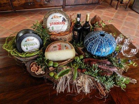 Pastori Associati Sardegna Products:Pecorino di Sardegna