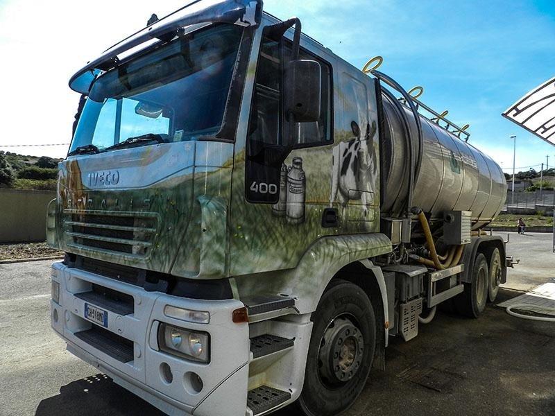 PAS:Transporting milk throughout Sardinia