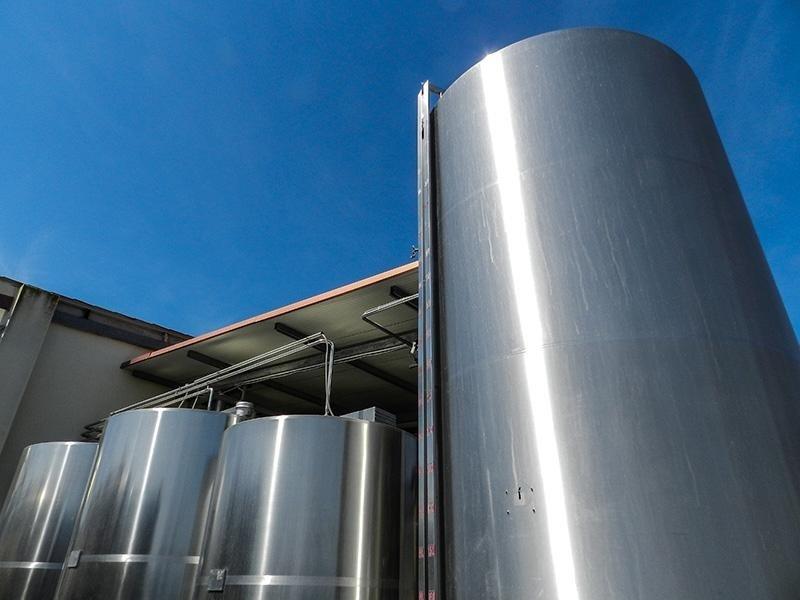 PAS:Collecting milk tanks throughout Sardinia