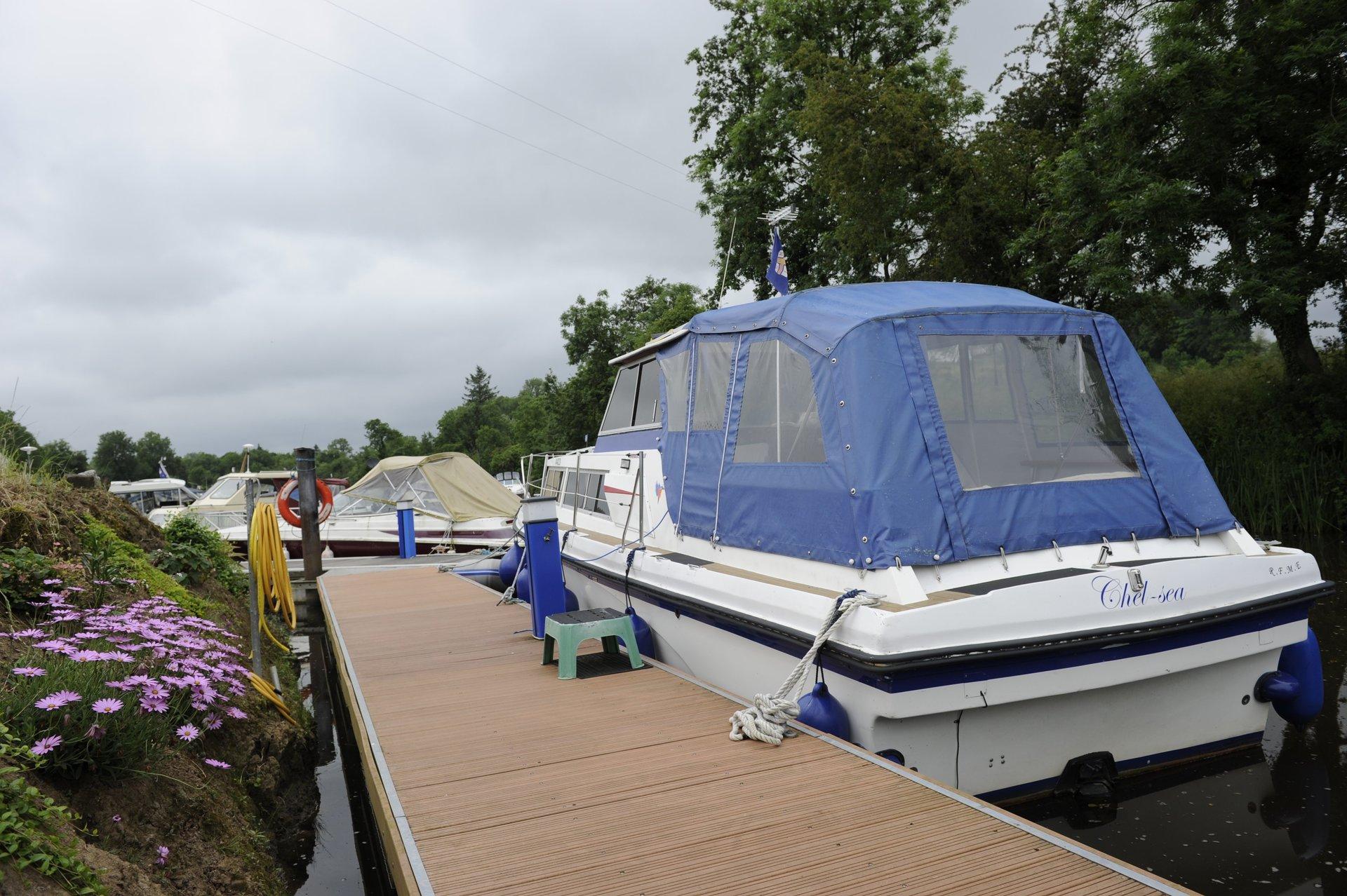 Riverside Farm, Marina and Caravan Park - CampingNI