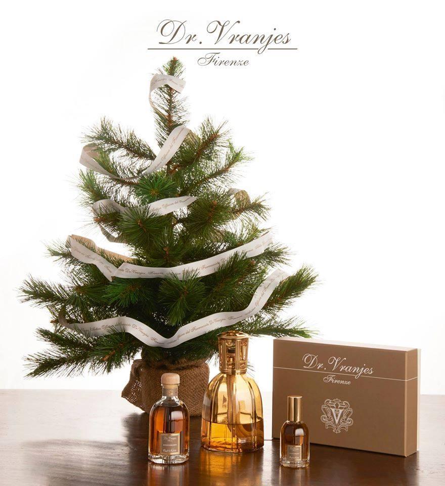 Albero di Natale con prodotti marca dr Vranjes Firenze