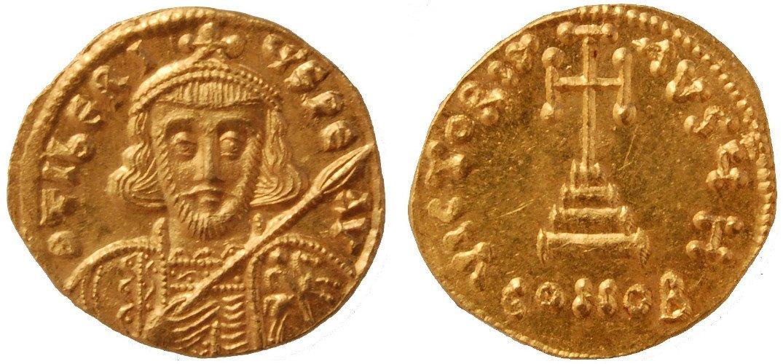 due monete dorate antiche