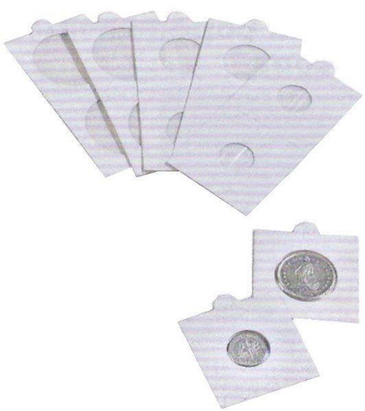 dei cartoncini con delle monete