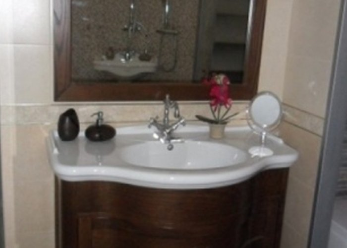 lavandino bagno marrone