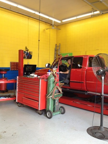 Tools used for doing the auto repair in Meriden, CT