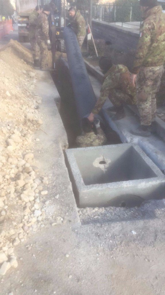Superfluid - militari del Genio installano una barra