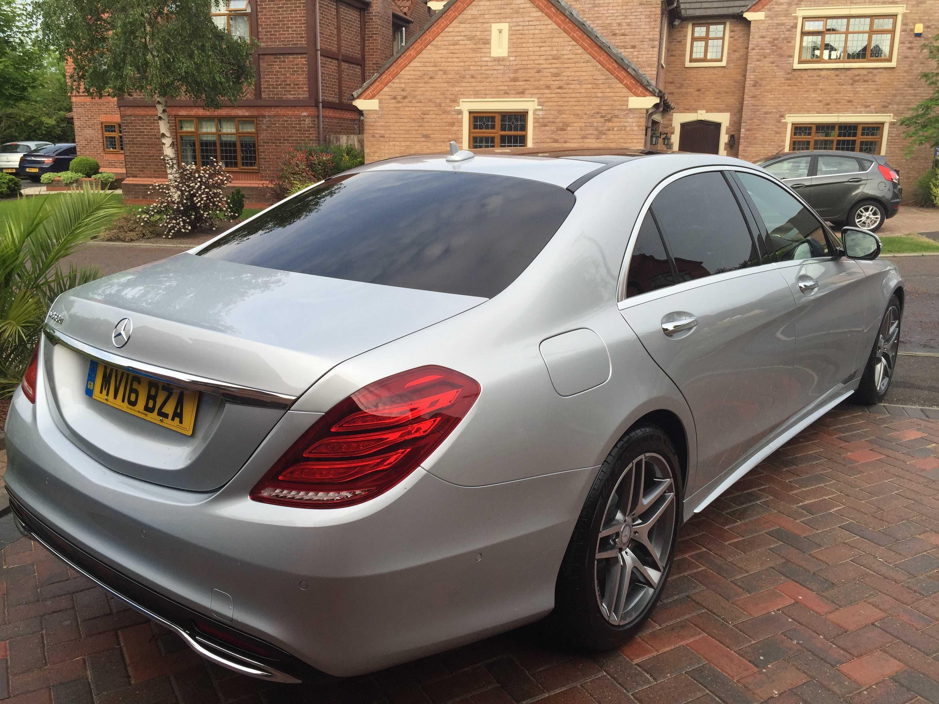 Luxury wedding car hire in Widnes