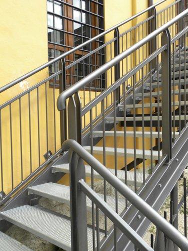 scale in ferro di Mandoloni Emilio a Spoleto