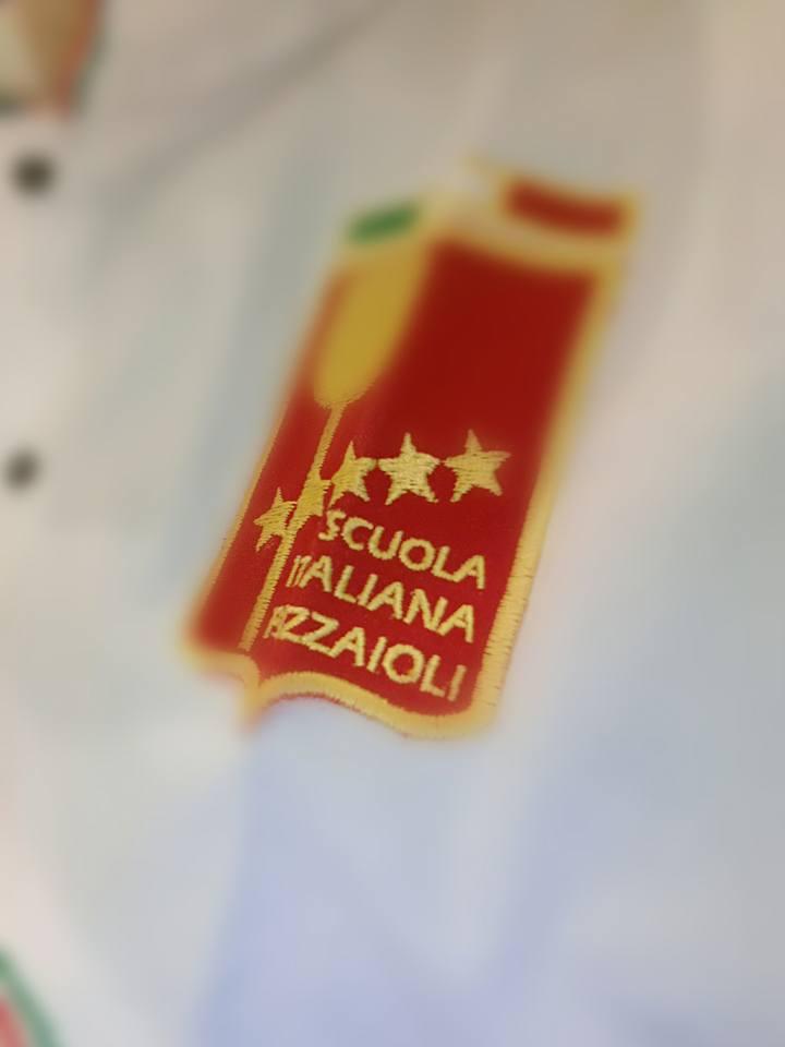targhetta della Scuola Italiana Pizzaioli