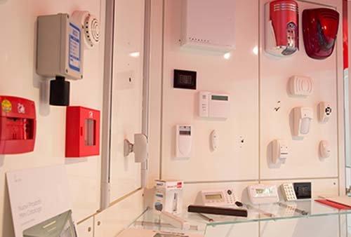 sistema antintrusione parete bianche
