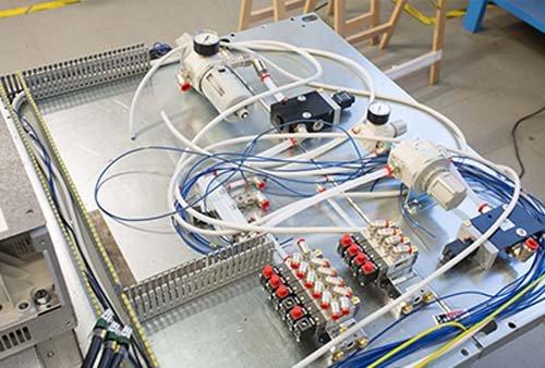Schemi Elettrici Per Impianti Industriali : Quadri elettrici industriali collecchio pr fanfoni impianti