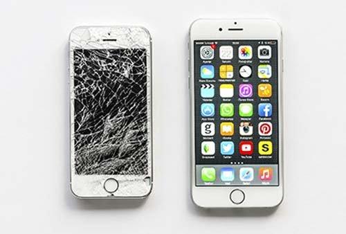 due smartphone, uno rotto e uno riparato