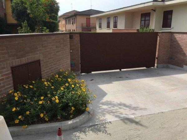 cancello automatico di una villa