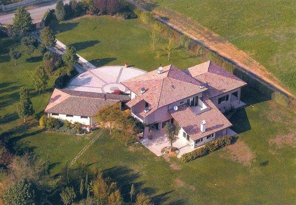 vista aerea di una villa