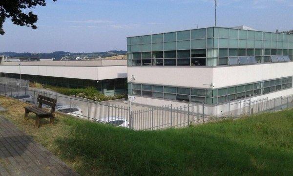 panoramica di un edificio per aziende