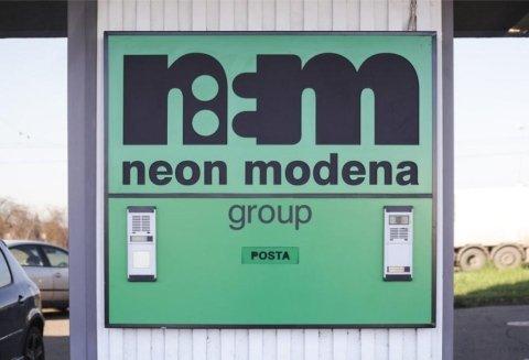 Insegna Neon Modena Group