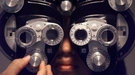 apparecchi per esami oculistici