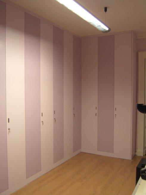 armadio legno colorato