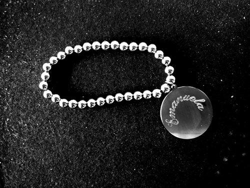 braccialetto con perline e ciondolo