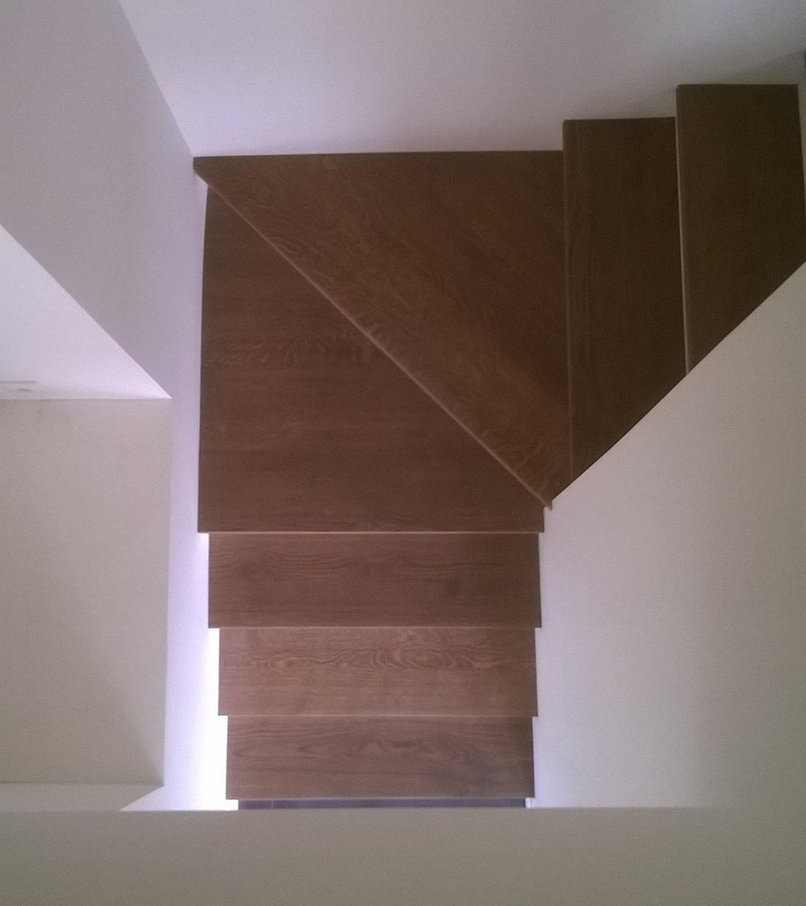 Habillage bois escalier béton