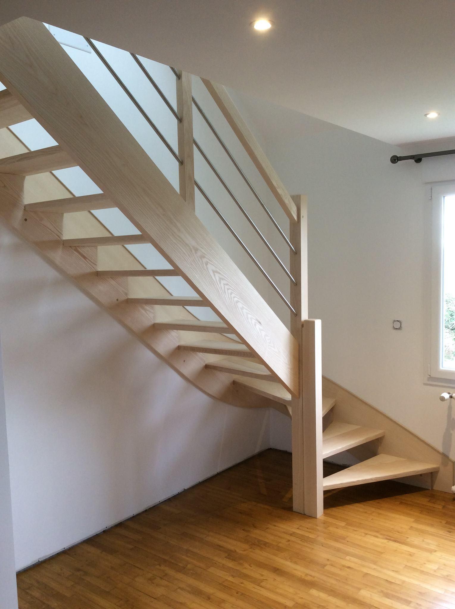 Escalier bois frêne