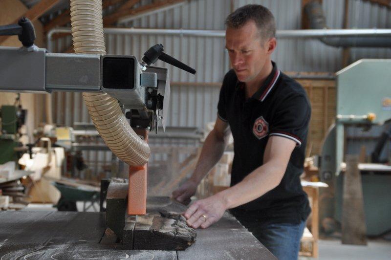 Découpe bois en atelier